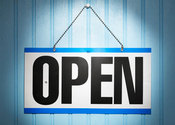 Main thumb open sign on blue backgro 007