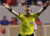 Main thumb the advantage rule in soccer explained